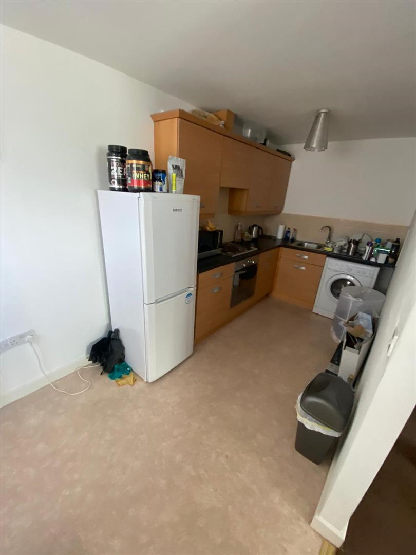 2 Bedroom Block Of Flats For Sale - 13.jpg